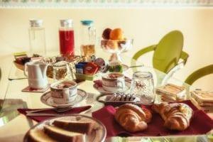 colazione bed and breakfast pisa servizi